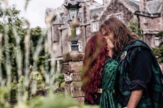 Wedding-photographer-scotland-comlongon