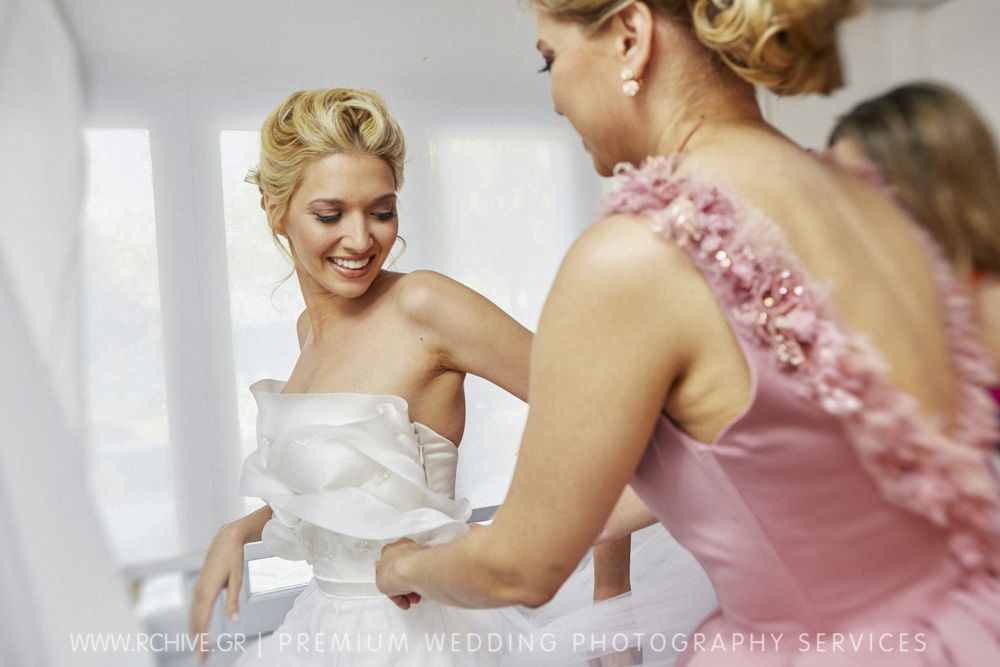 bride preparation photos