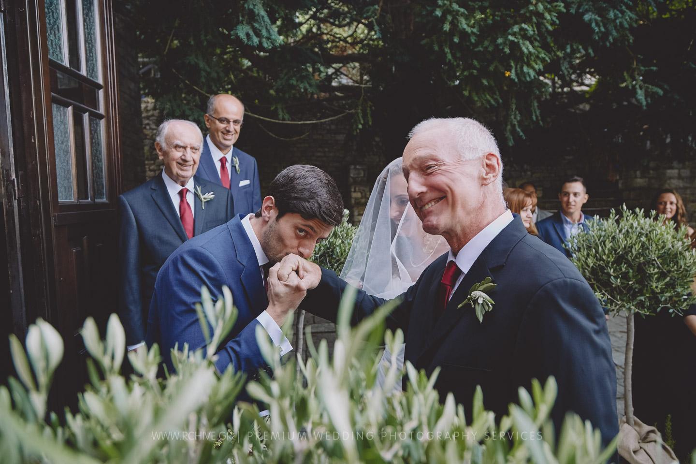Wedding photographer pilio