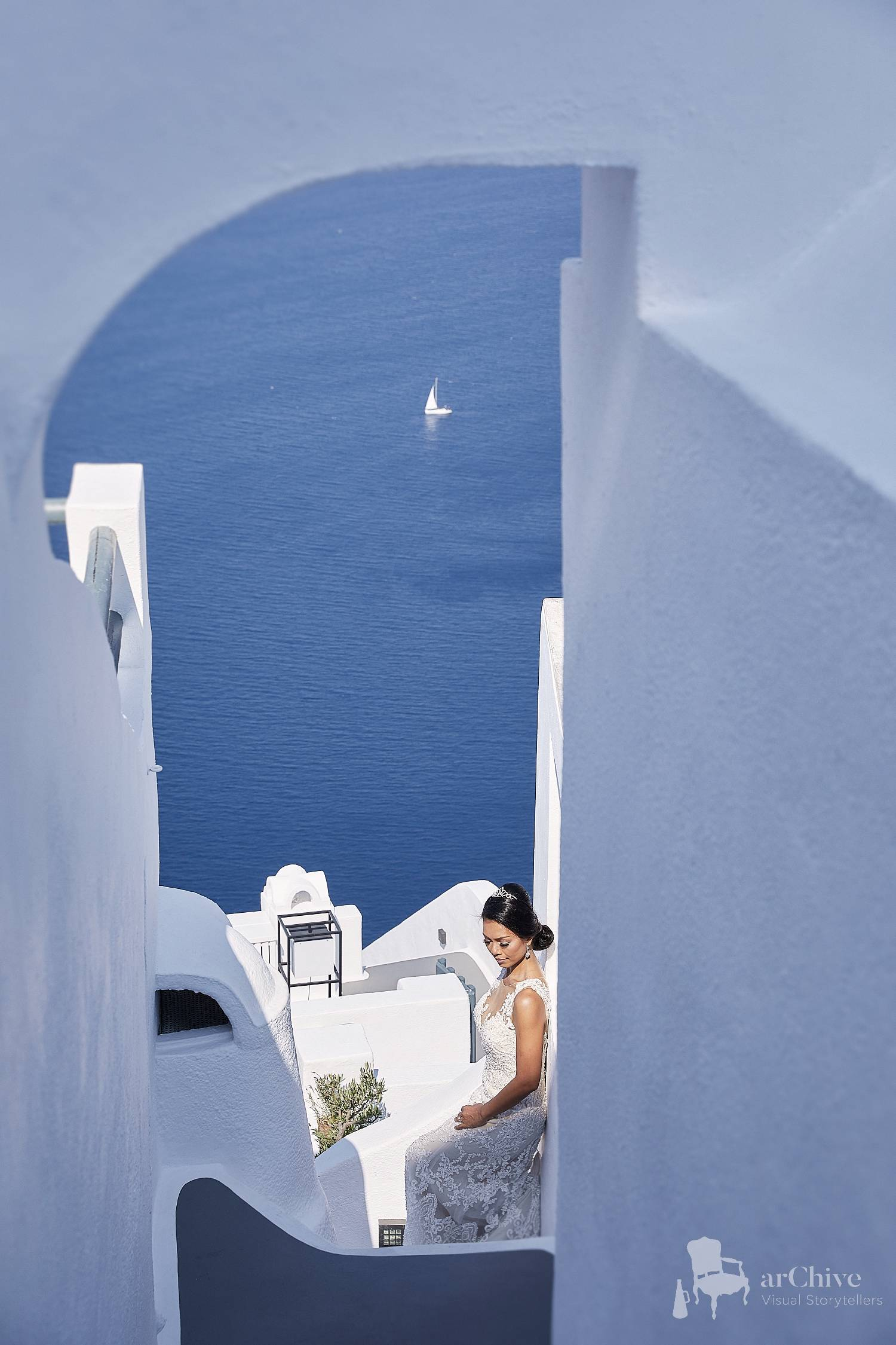 Santorini Sun rocks Wedding Photographer