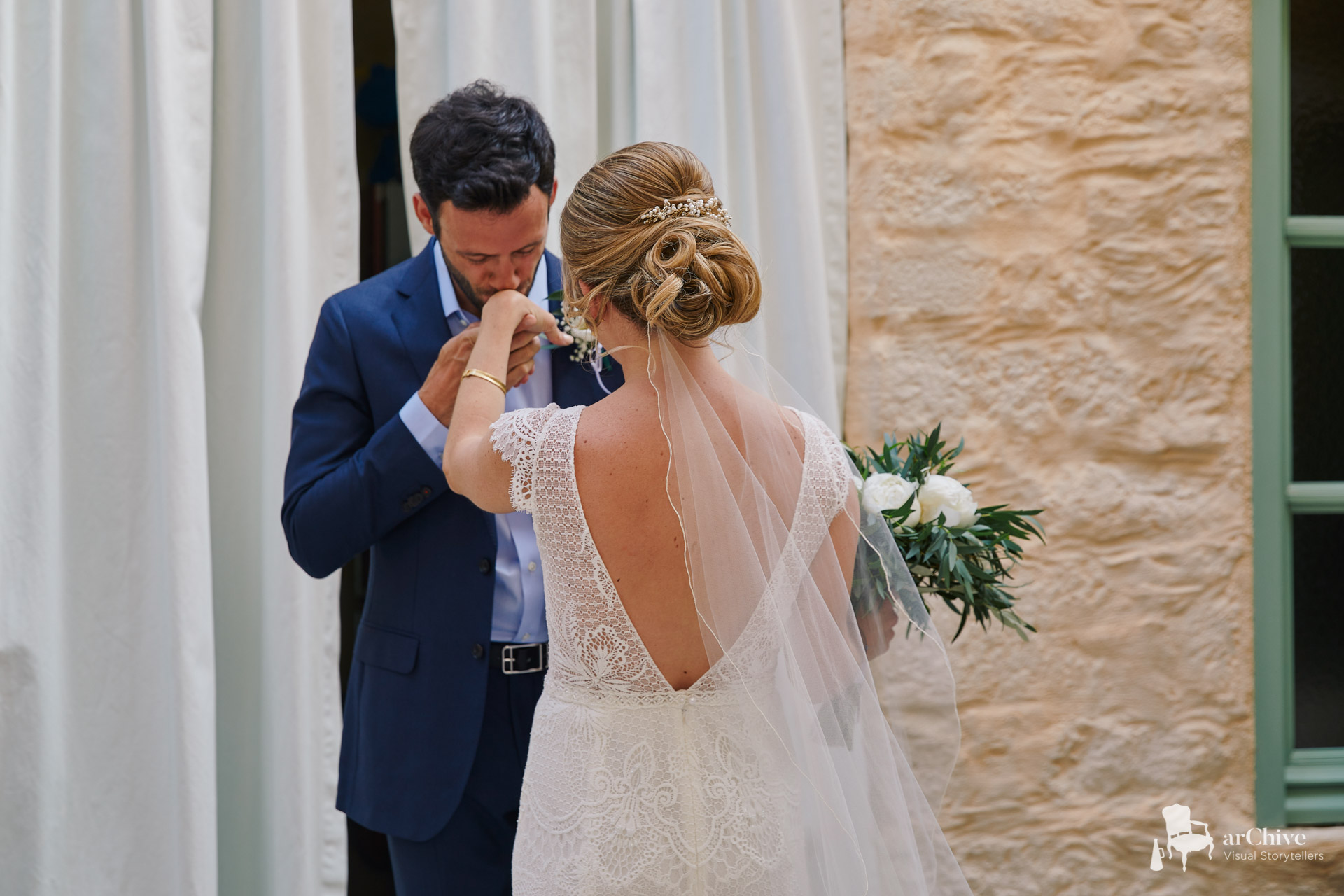 first look wedding symi